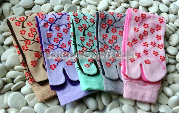 Kaos kaki soka Essentials Sakura