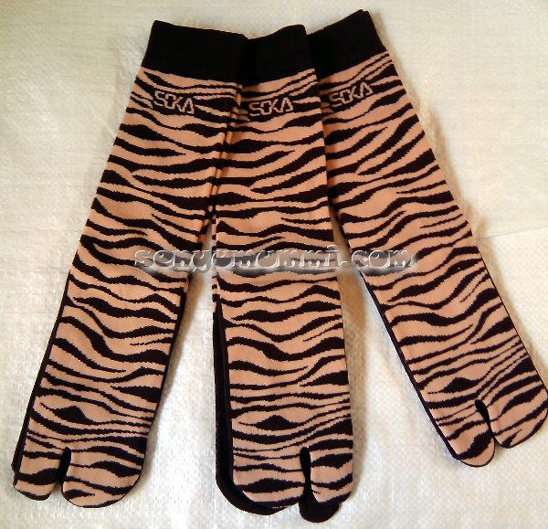 Kaos kaki Soka Essentials Zebra